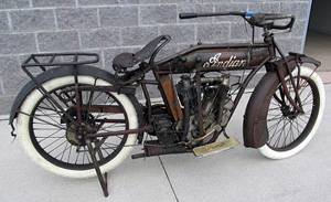 1915 Big Twin R side